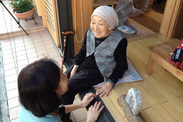 先代当主・松谷清造と店を築いた母・滿里子。まだまだ現役です
