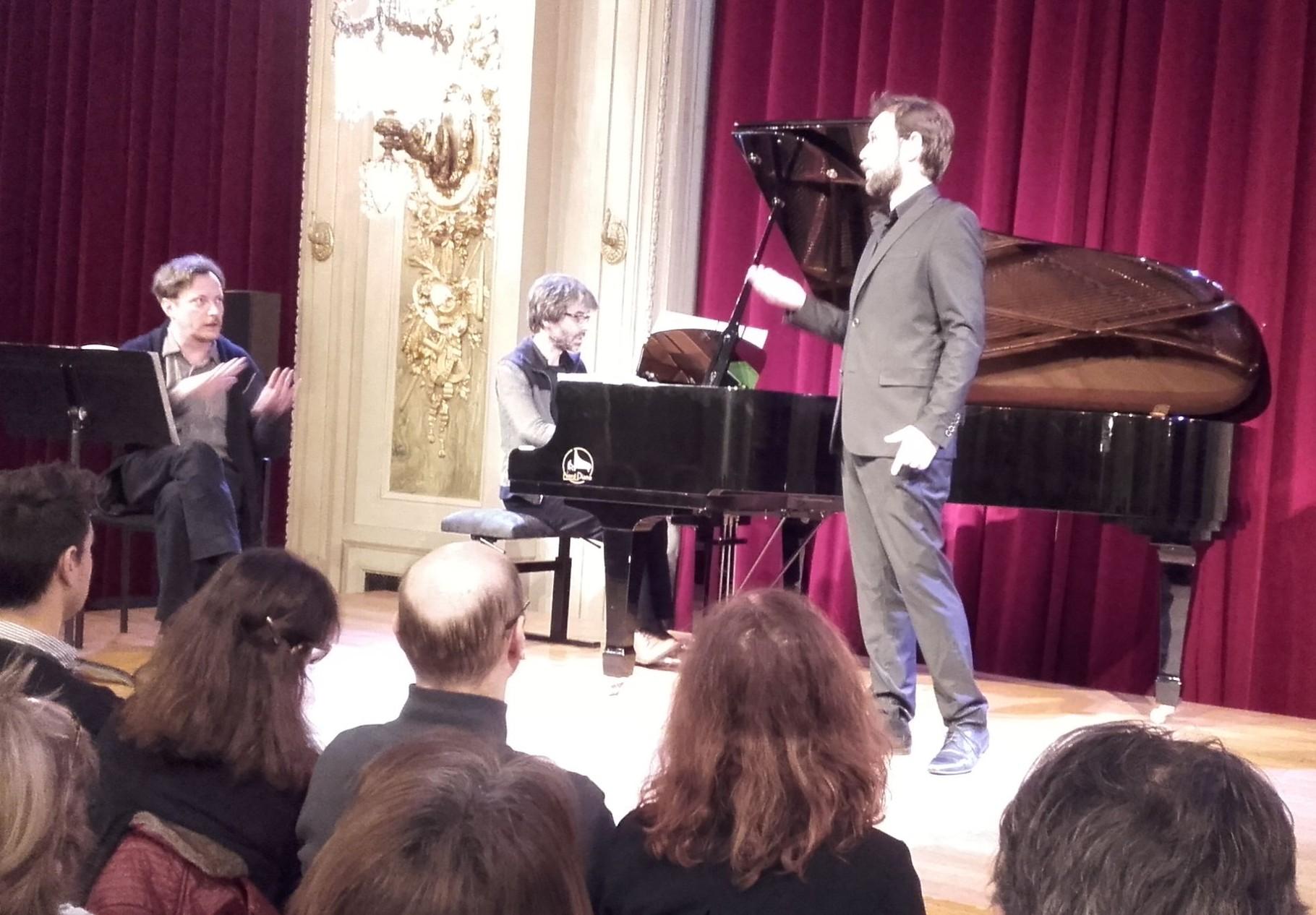 ... Igor Bouin, baryton ; au piano Christophe Magnien
