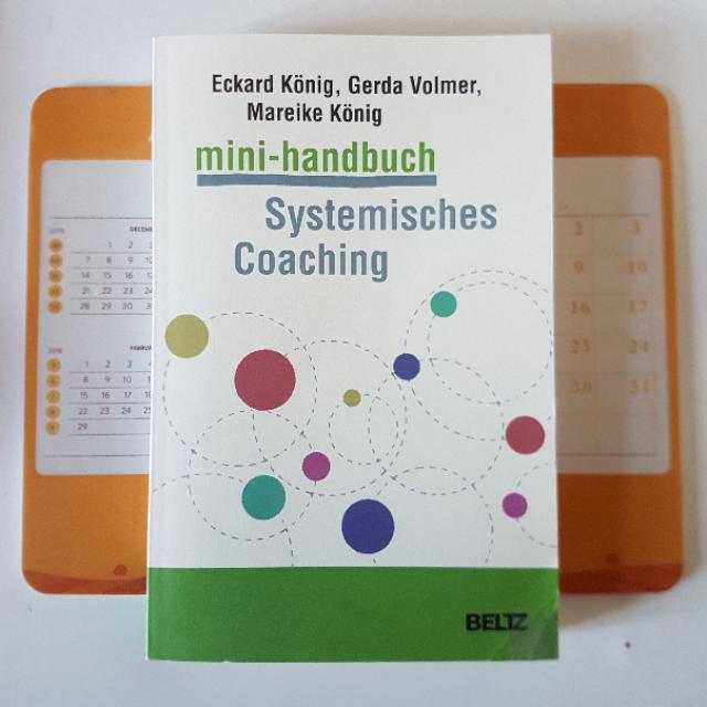Eckard König, Gerda Volmer, Mareike König: mini-handbuch – Systemisches Coaching
