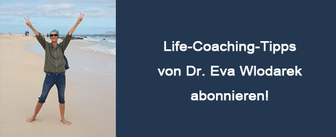 Dr. Eva Wlodarek am Strand von Fuerteventura