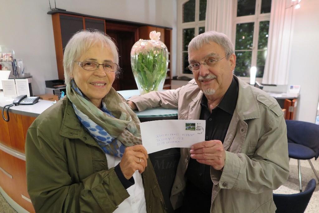 Gisela (links) und Ernst Herbert vom CVJM Neumarkt und dem Verein zur Förderung der Fliedner Stiftung