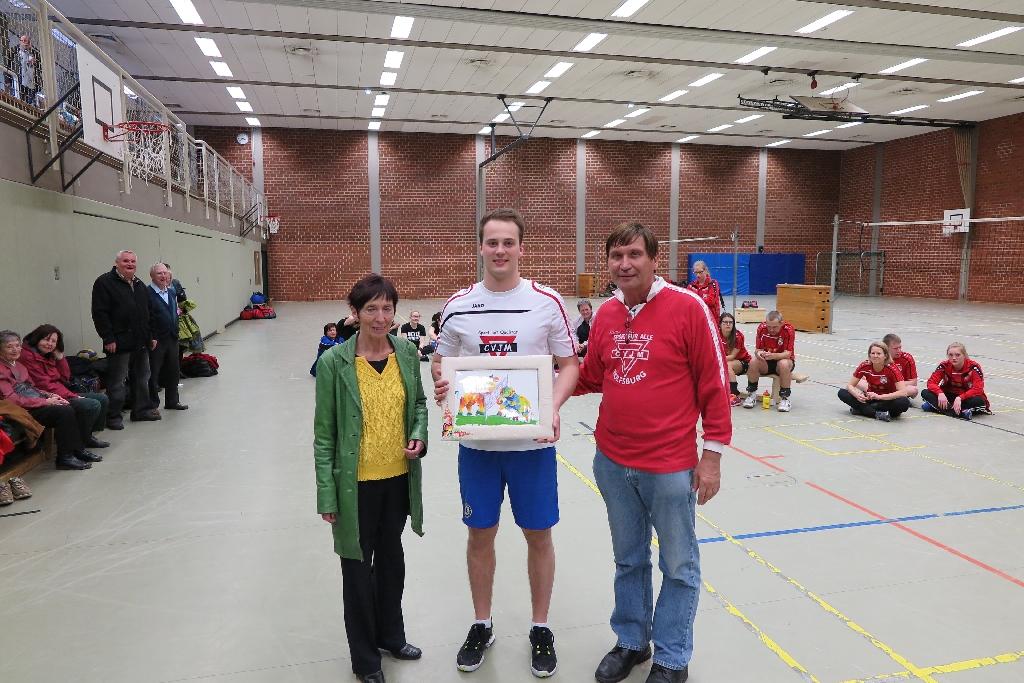 Jan List (Mitte) mit Bürgermeisterin Bärbel Weist und Manfred Wille