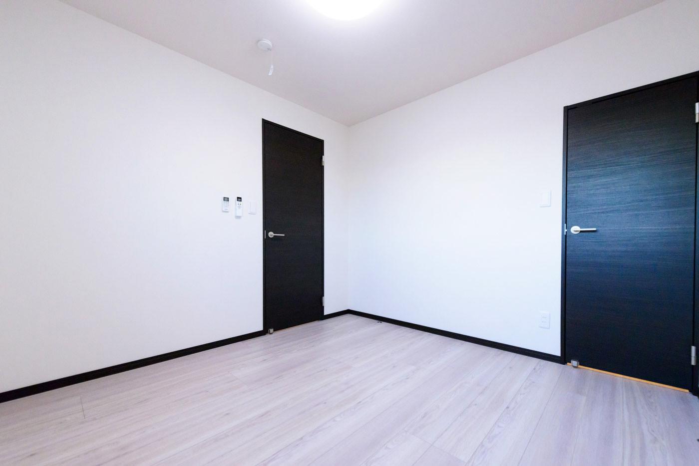 大型クローゼットのある部屋2