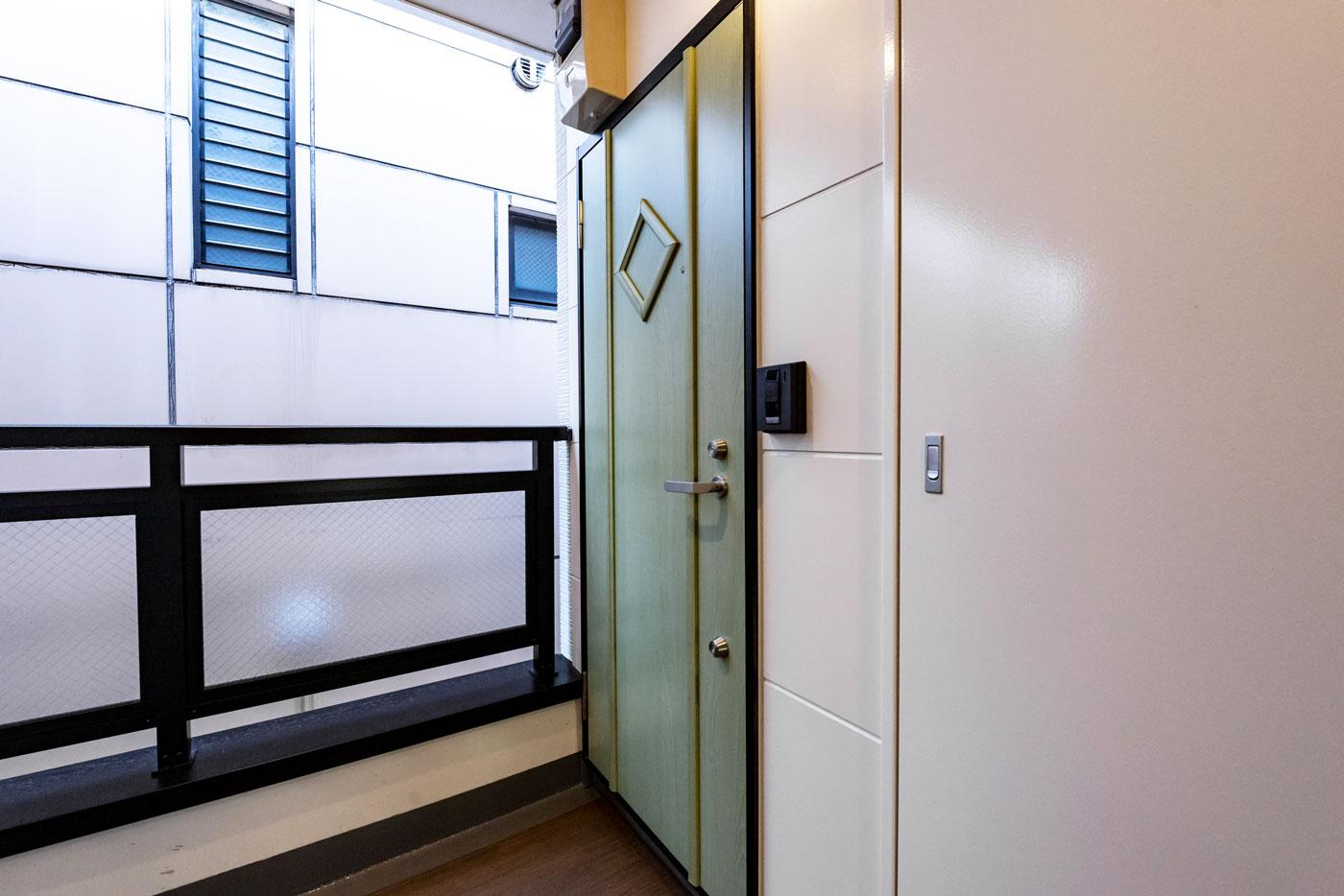401-4 ドア(2階4階Aタイプ共通)