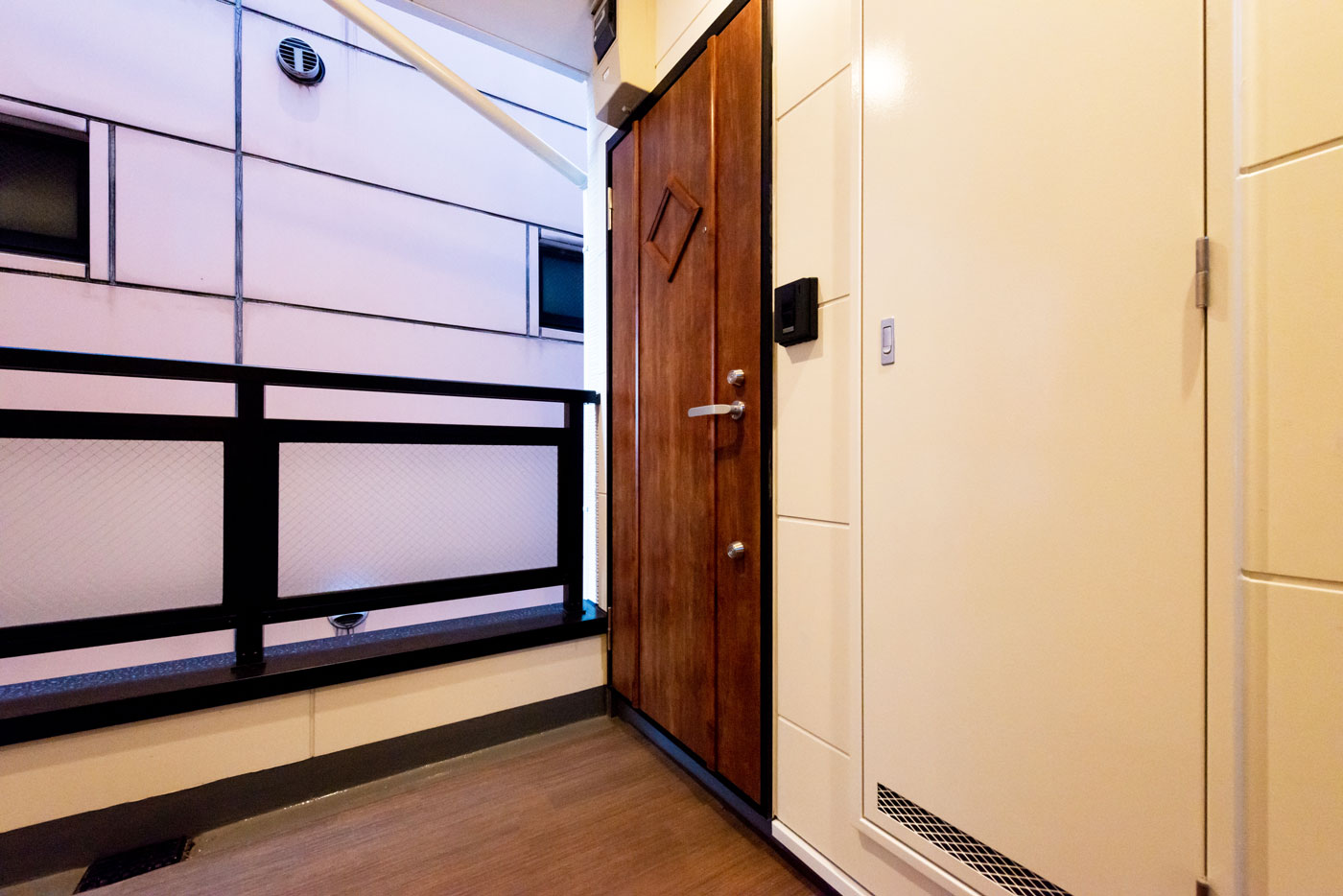 301-8 ドア(1階3階Aタイプ共通)