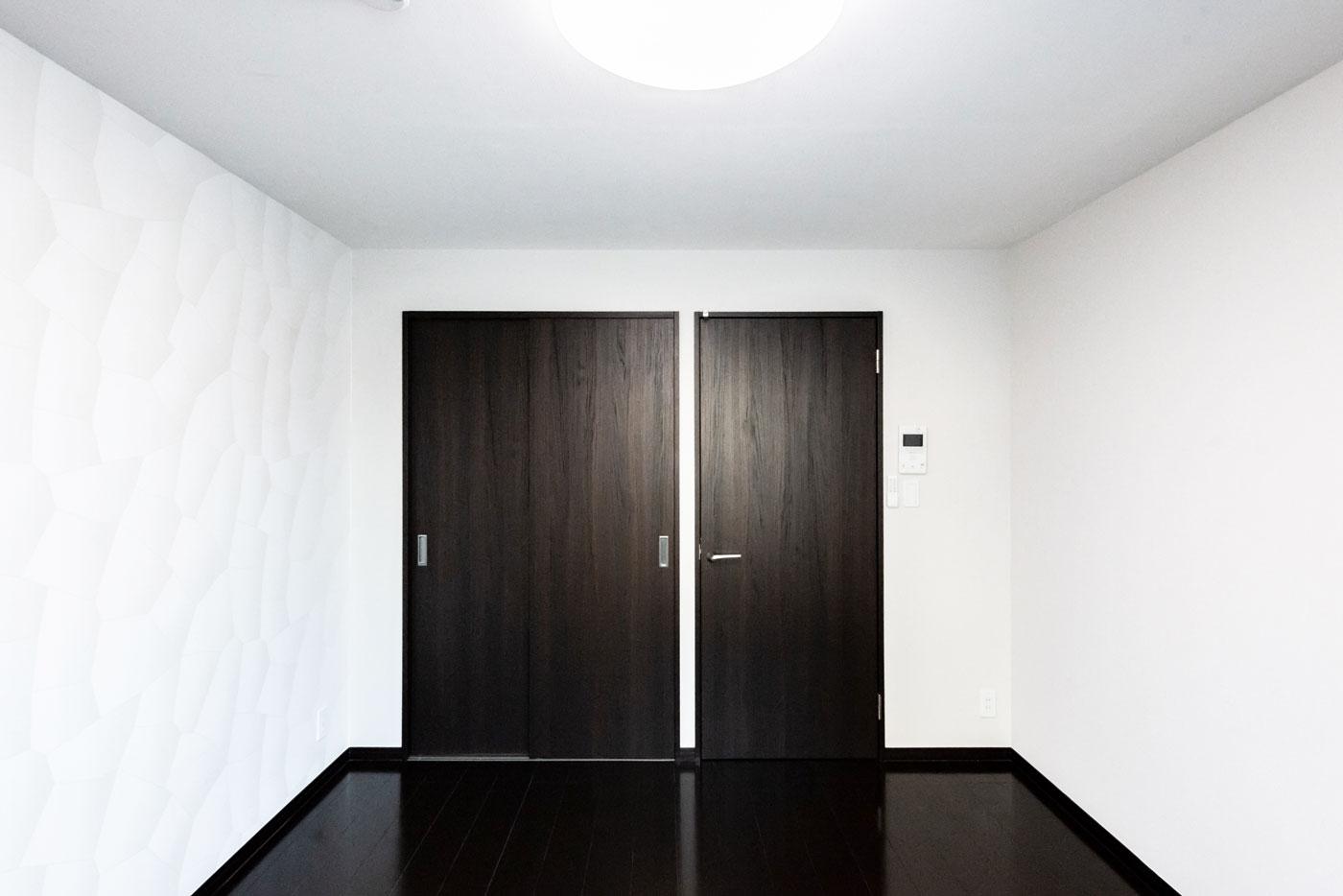 403-2 ドアを閉めたところ