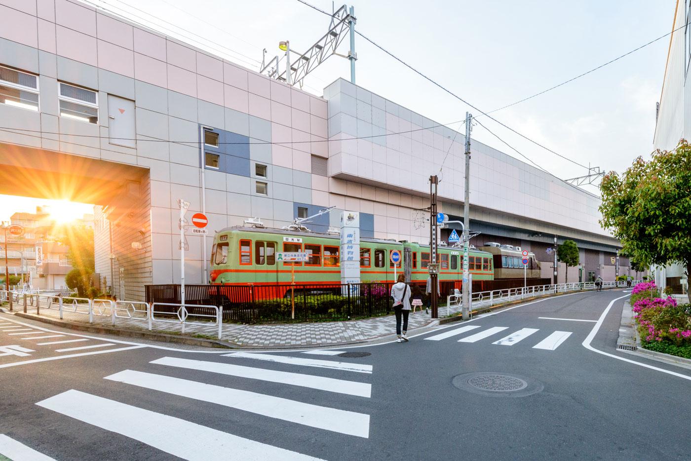 「東向島」駅2(東武電車の展示)