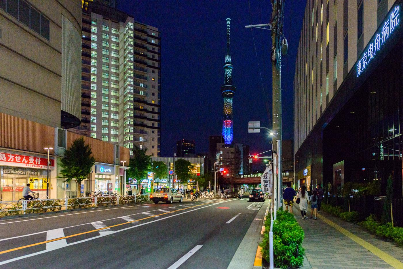 「曳舟」駅東口周辺の夜景