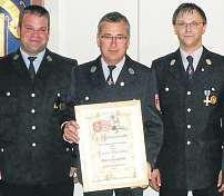 Das neue Ehrenmitglied Dieter Barufke (Mitte)