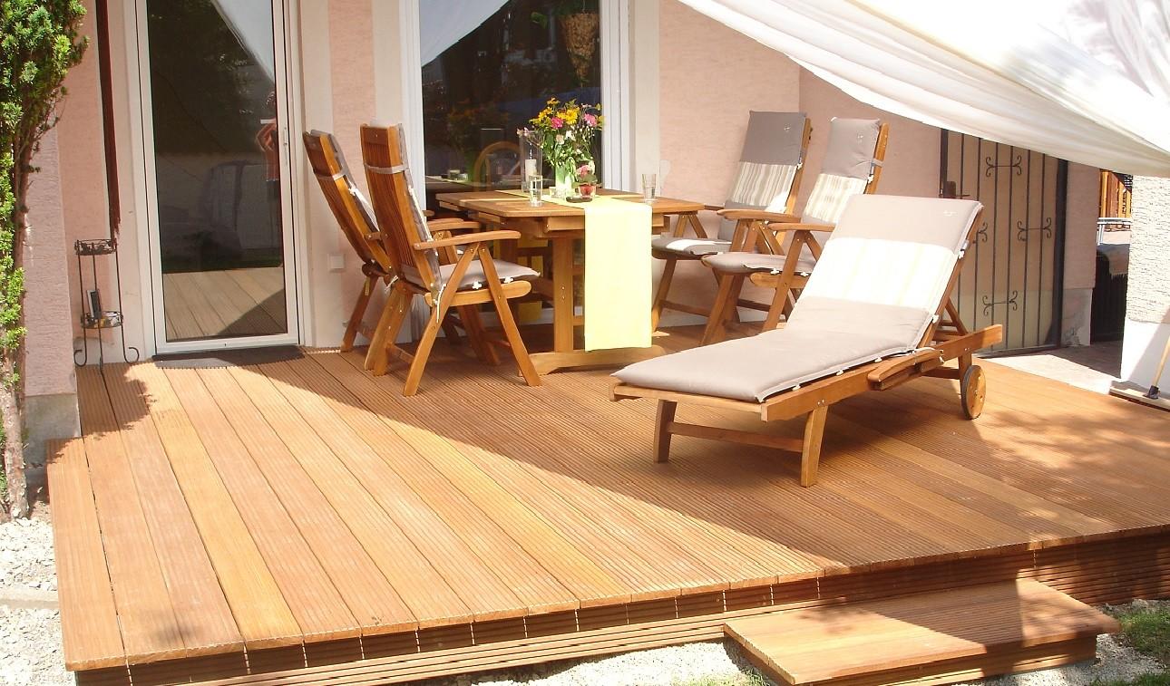 terrassen holz f r haus und garten. Black Bedroom Furniture Sets. Home Design Ideas