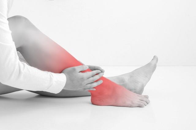 足首の痛み、足関節の痛み