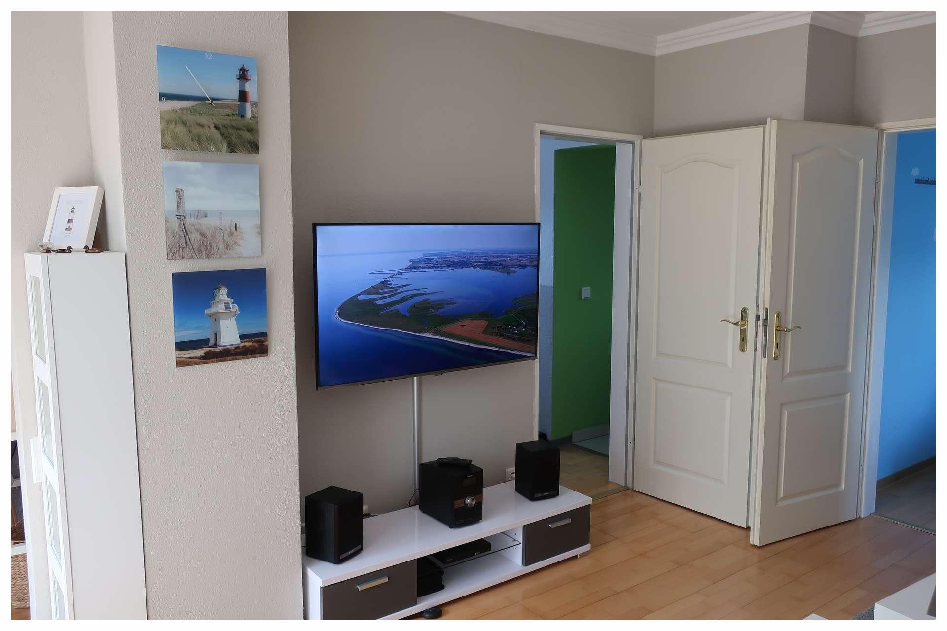 LCD Fernseher im oberen Wohnbereich