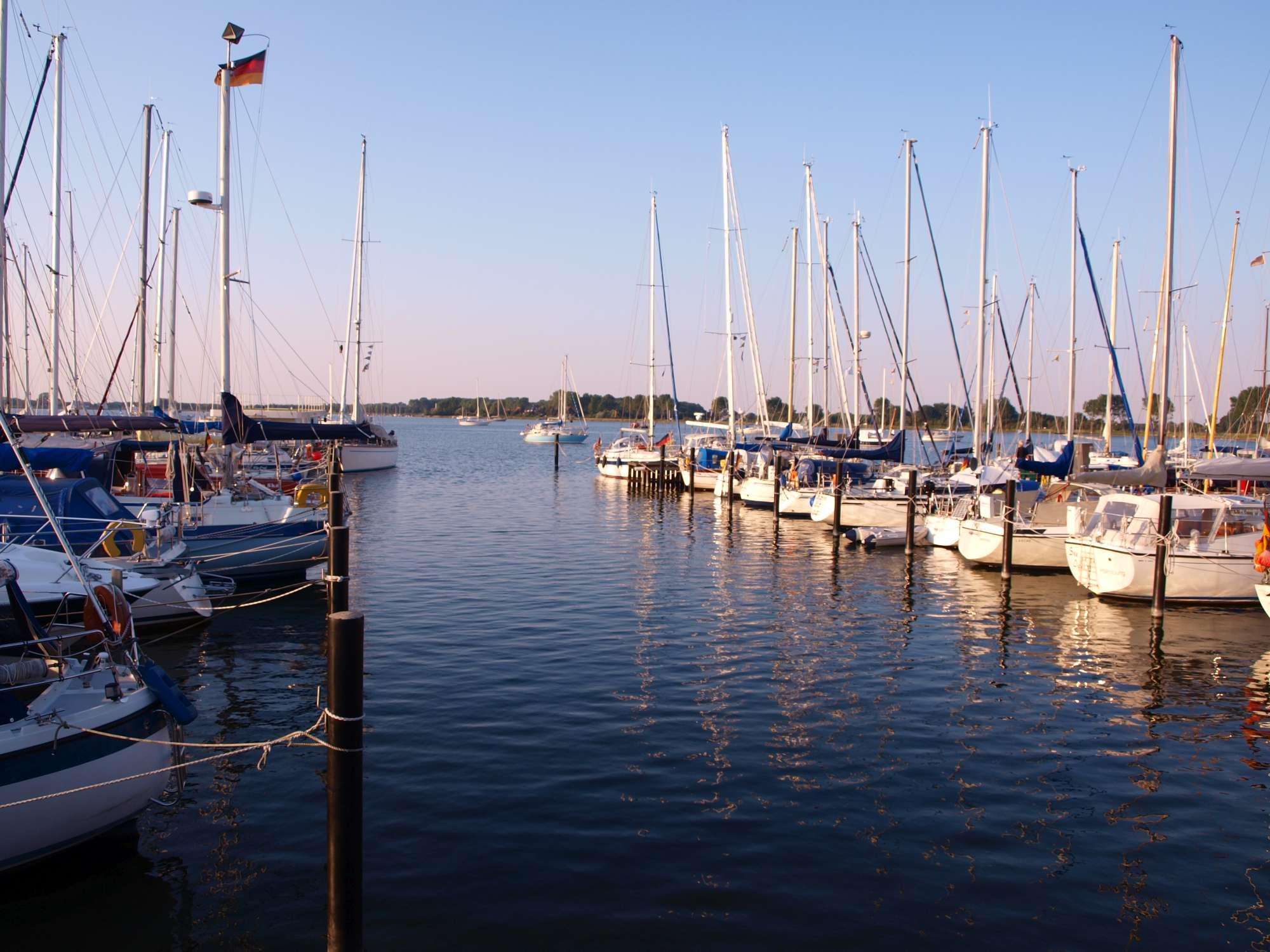 Urlaub an Ostsee und Schlei - Yachthafen Maasholm