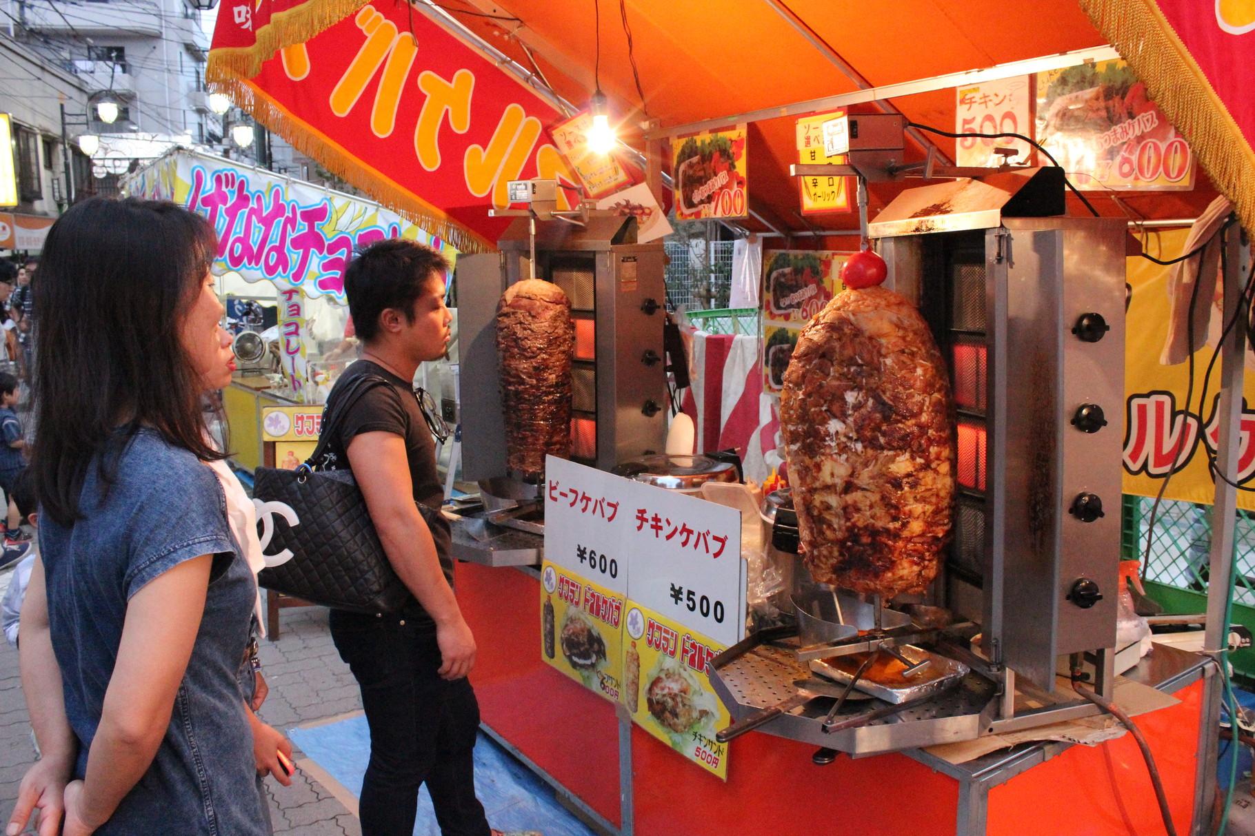Döner wird immer beliebter. Heute zur Auswahl: Rind oder Huhn