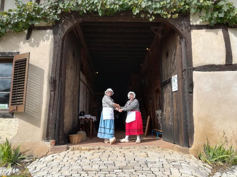 Babette et Liliane dans la Soyotte
