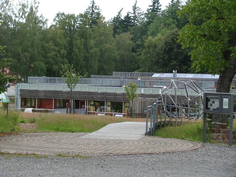 Auf dem Weg nach Bingen kommen wir am Haus der Nachhaltigkeit vorbei und beschließen, es kurz mal anzuschauen.