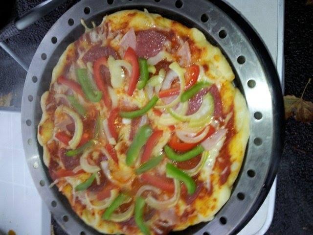 Auch in der Pfanne läßt sich Pizza backen