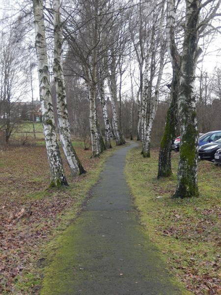 Fußweg in den Ort