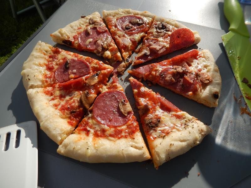 und diese wird auch super gut. Es duftet herrlich nach Pizza auf dem Stellplatz