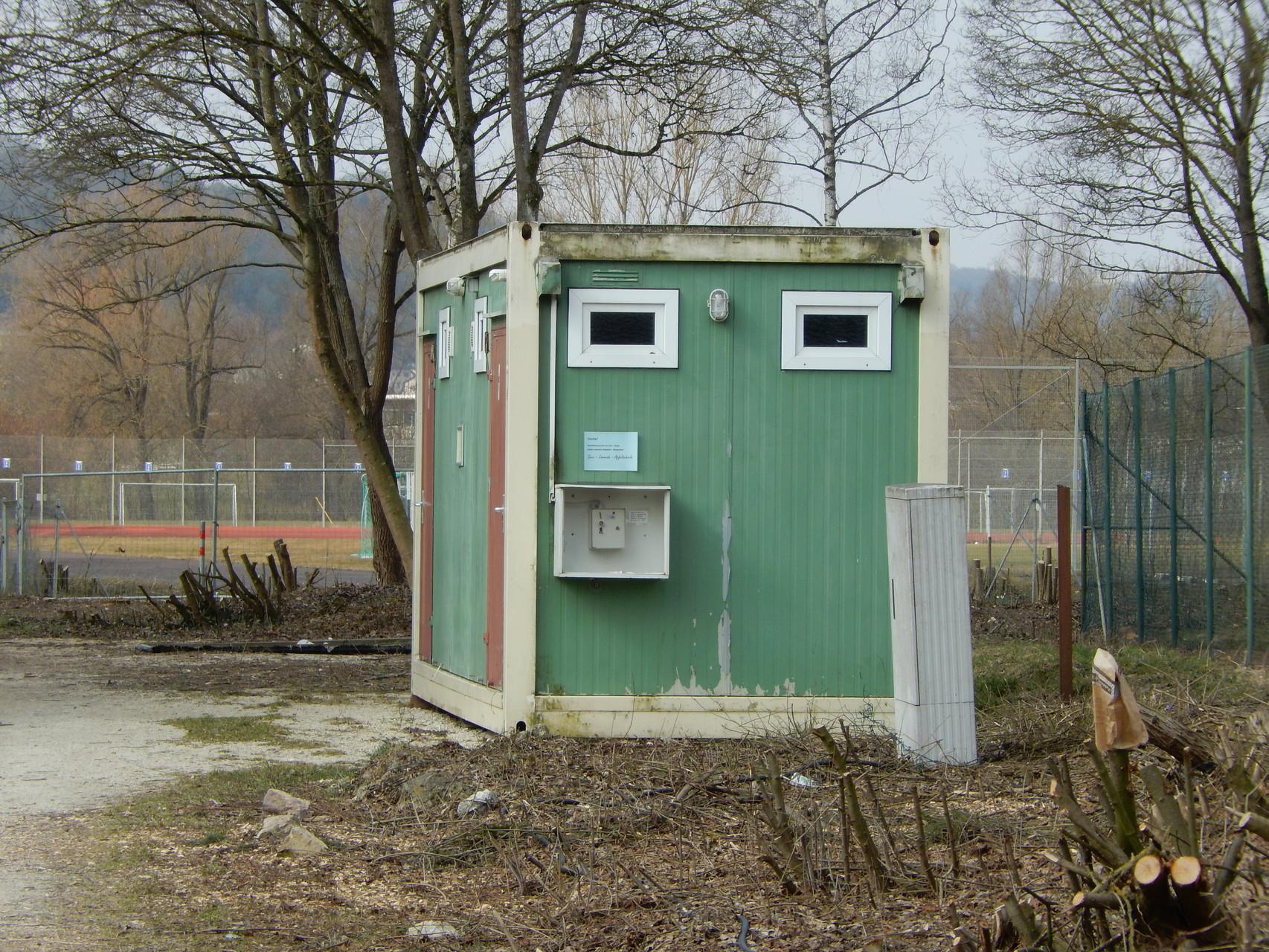 Hier wären die Toiletten
