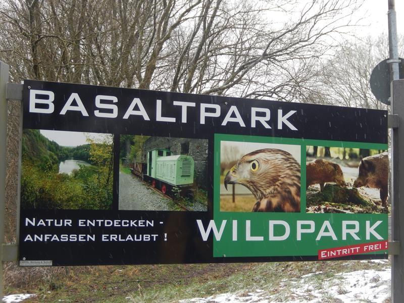 Den Wildpark hätte ich auch gerne mal gesehen....na beim nächsten Mal vielleicht. Hier oben ist auch ein Zugang zum Basaltpark