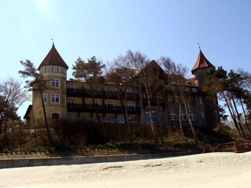 Das ist ein Ferienheim oder Sanatorium....weiß ich leider nicht mehr.