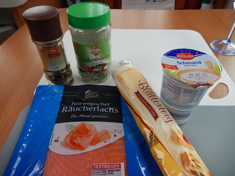 die Zutaten für die Lachsschnecken