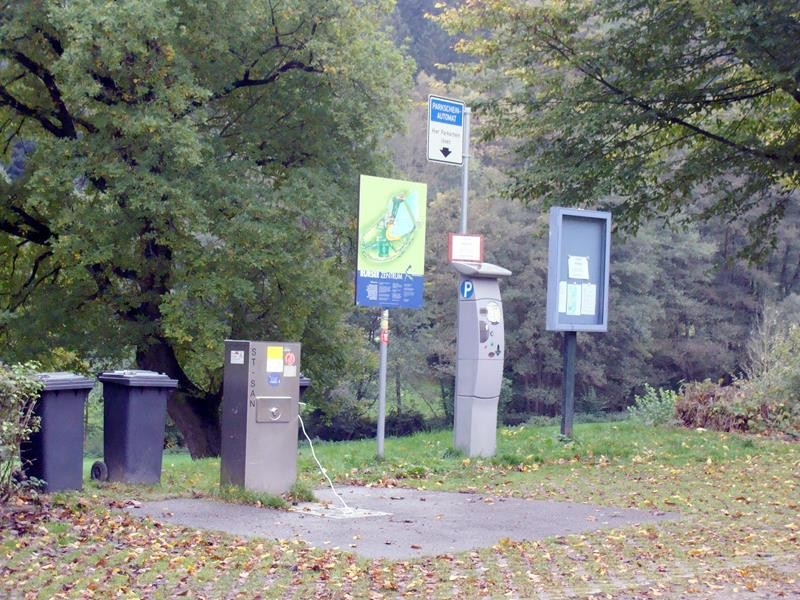 VE, Mülltonnen, Parkscheinautomat