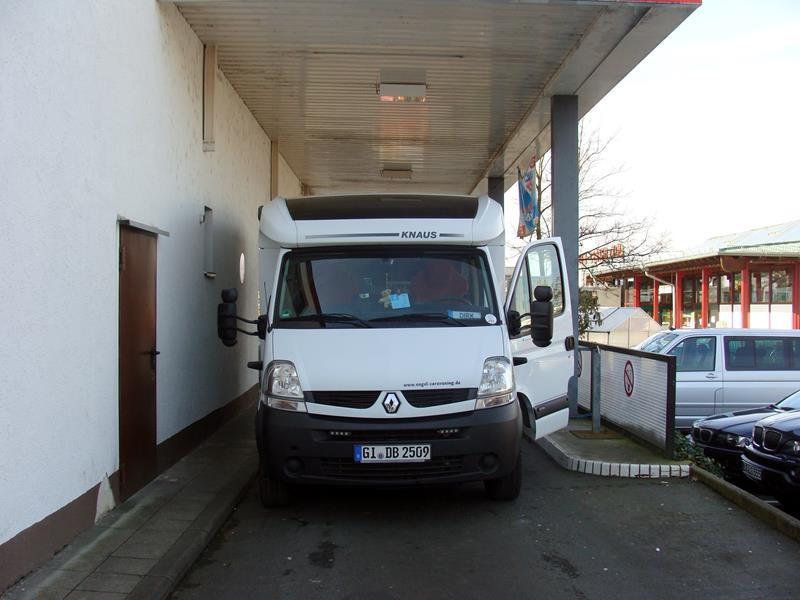 Wir tanken noch Gas.....ist nicht grad für Wohnmobile gemacht.