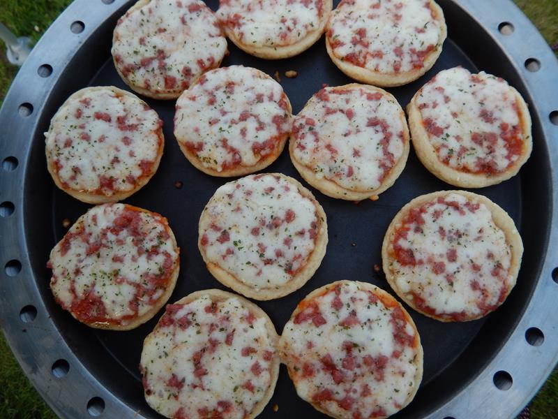die kleinen Pizzen brauchen auch etwa 20 Minuten