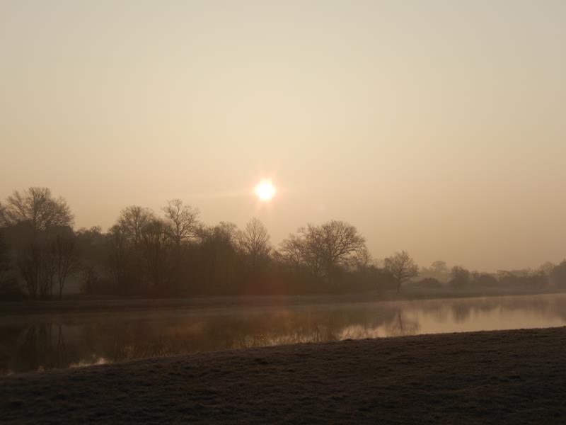 Nächster Morgen, sehr früh.