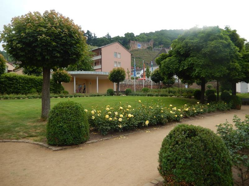 Durch den Rosengarten