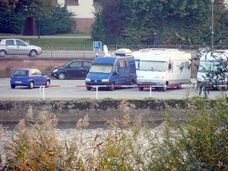 Am nächten morgen geh ich wieder früh spazieren. Über die Brücke, auf die ander Neckarseite.