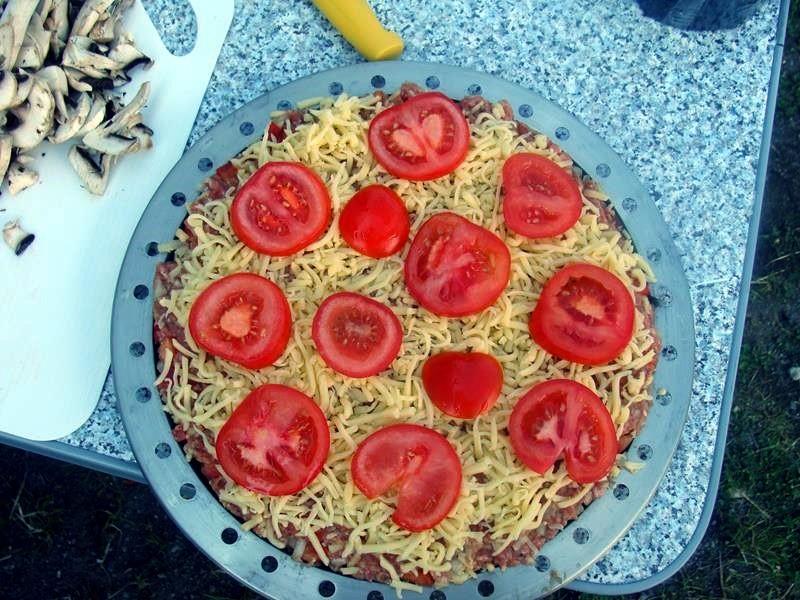 Die Tomatenscheiben drauf legen