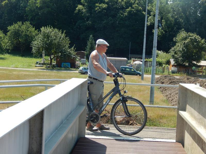 Am nächsten Tag machen wir eine Radtour an der Wutach entlang.