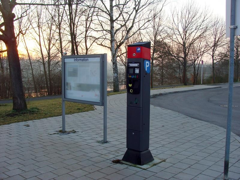 Ticketautomat. 12€ für die Nacht ist kein schlechter Preis, für den kargen Platz.