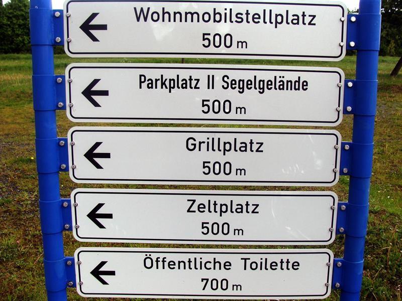 Der WoMo Stellplatz kostet 5,50€ von 22:00-8:00 Uhr. Am Tag 3€.