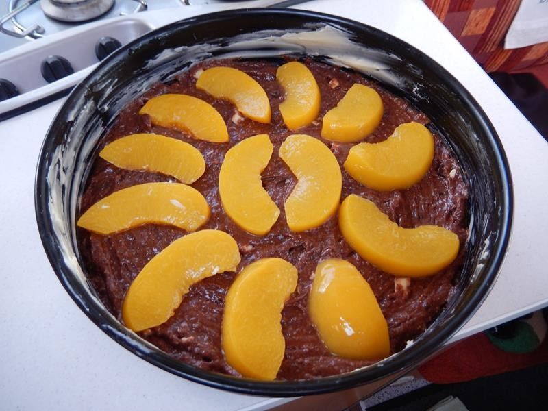 zum Schluss noch die Pfirsiche drauf legen