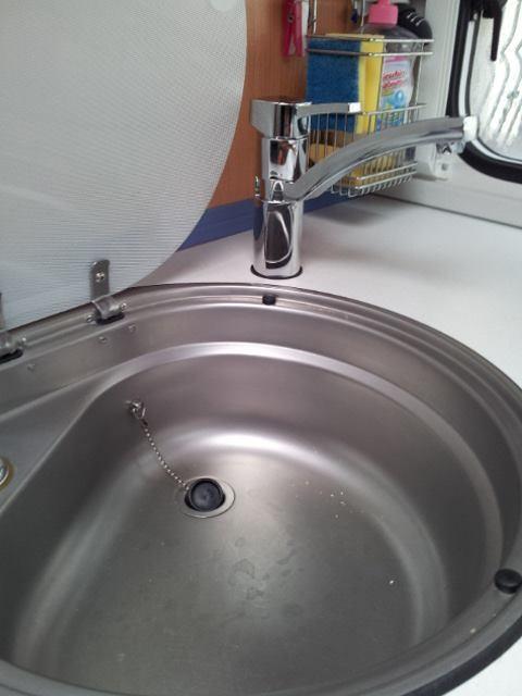 der neue Wasserhahn läßt sich schön drehen so das man.........