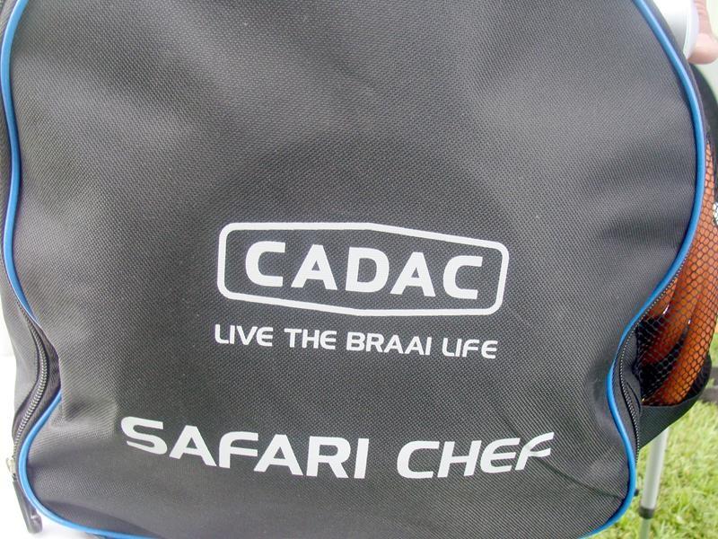 Roger hat einen CADAC Grill. Der wird heute eingeweiht.