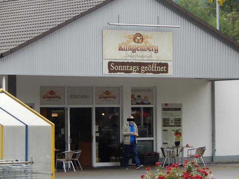 .....und einen Bäcker, der auch Sonntags geöffnet hat.