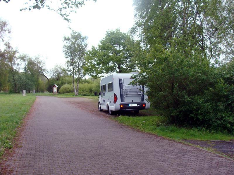 Hier sind wir in Pottum am Wiesensee im Westerwaldkreis. Das Bild des. Stellplatzes im Atlas sah anders aus, als man dann tatsächlich hier steht