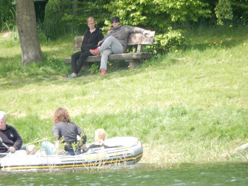 Die Neusser sind motorisiert auf dem Wasser unterwegs