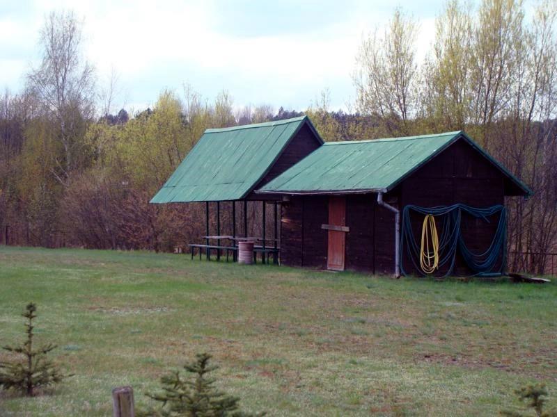 Grillhütte mit Feuerstelle