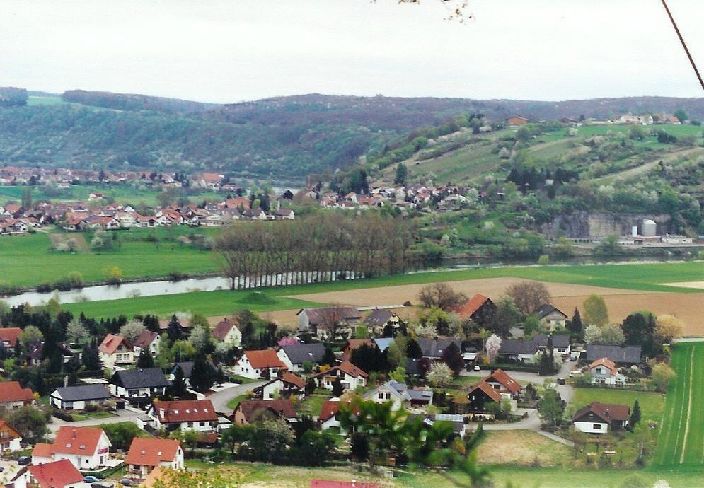 Schöner Blick von einer Burg ins Tal.
