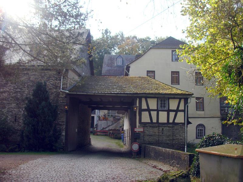 Am nächsten Tag fahren wir mit dem Rad auf die Burg Hohenstein.