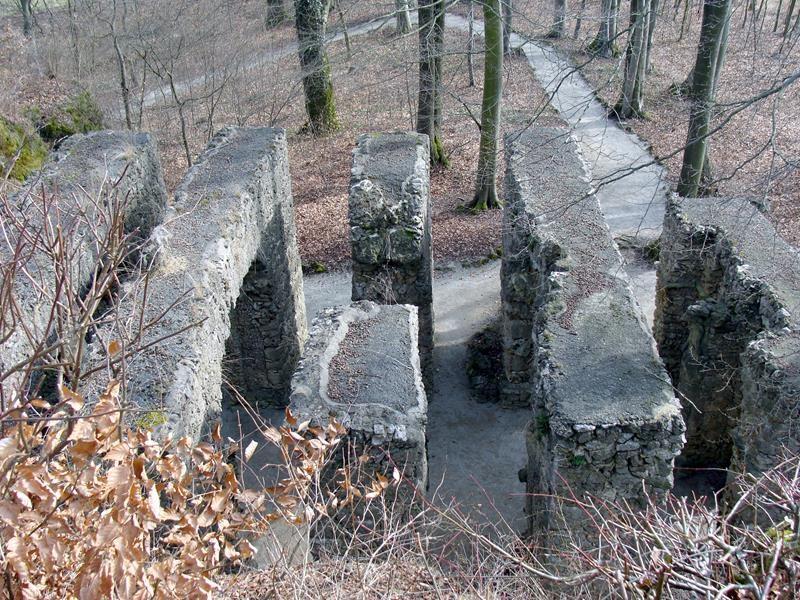 Vom Belvederefelsen schauen wir auf das Ruinentheater herunter