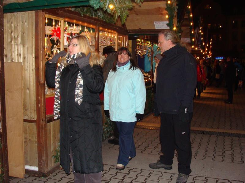 Unzählige weihnachtliche Stände