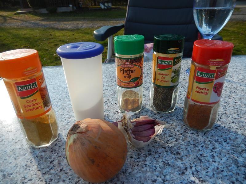 Salt, Pfeffer, Zwiebeln, Knoblauch usw
