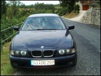 Wir machen mal einen Ausflug. Fahren durch die angrenzenden Berge und dann nach Aix les Bains